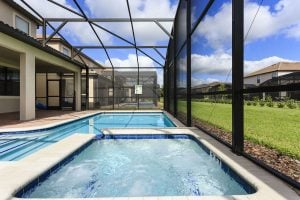 Retreat Castle Screened Pool and Spa